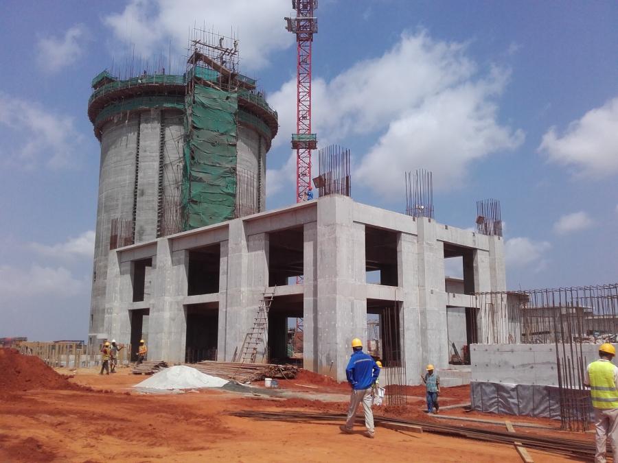 Das Zementwerk in Angola entsteht.